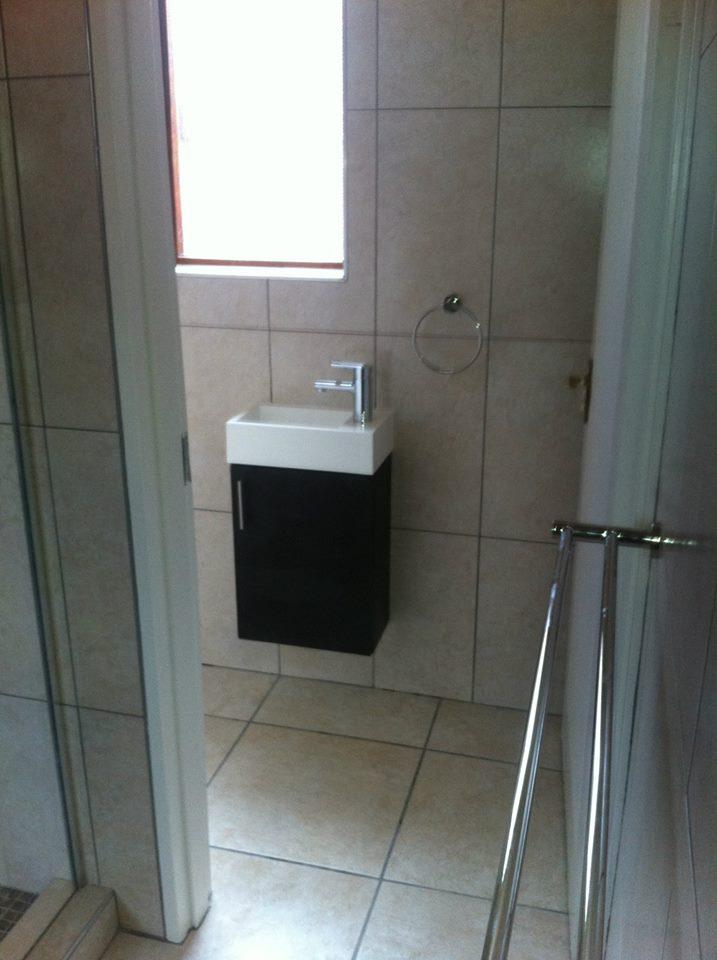 Bathroom boyz 28 images bathroom boyz professional for Professional bathroom renovations